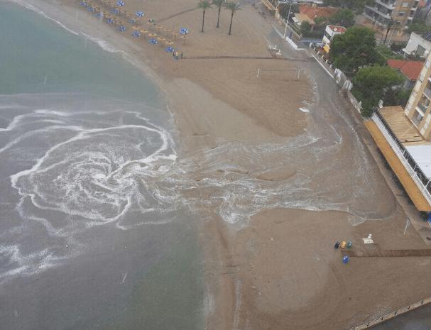 Temporal playa de los Olivos