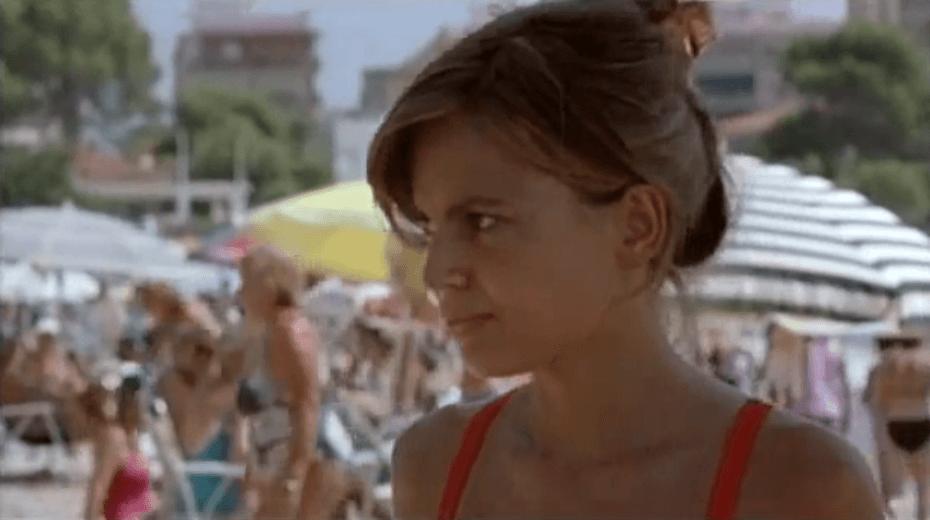 Elena Anaya en la playa de Los Olivos