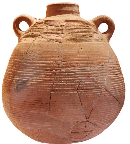 Ánfora de época visigoda de origen del mediterráneo oriental hallada en el yacimiento de la punta de l'Illa.