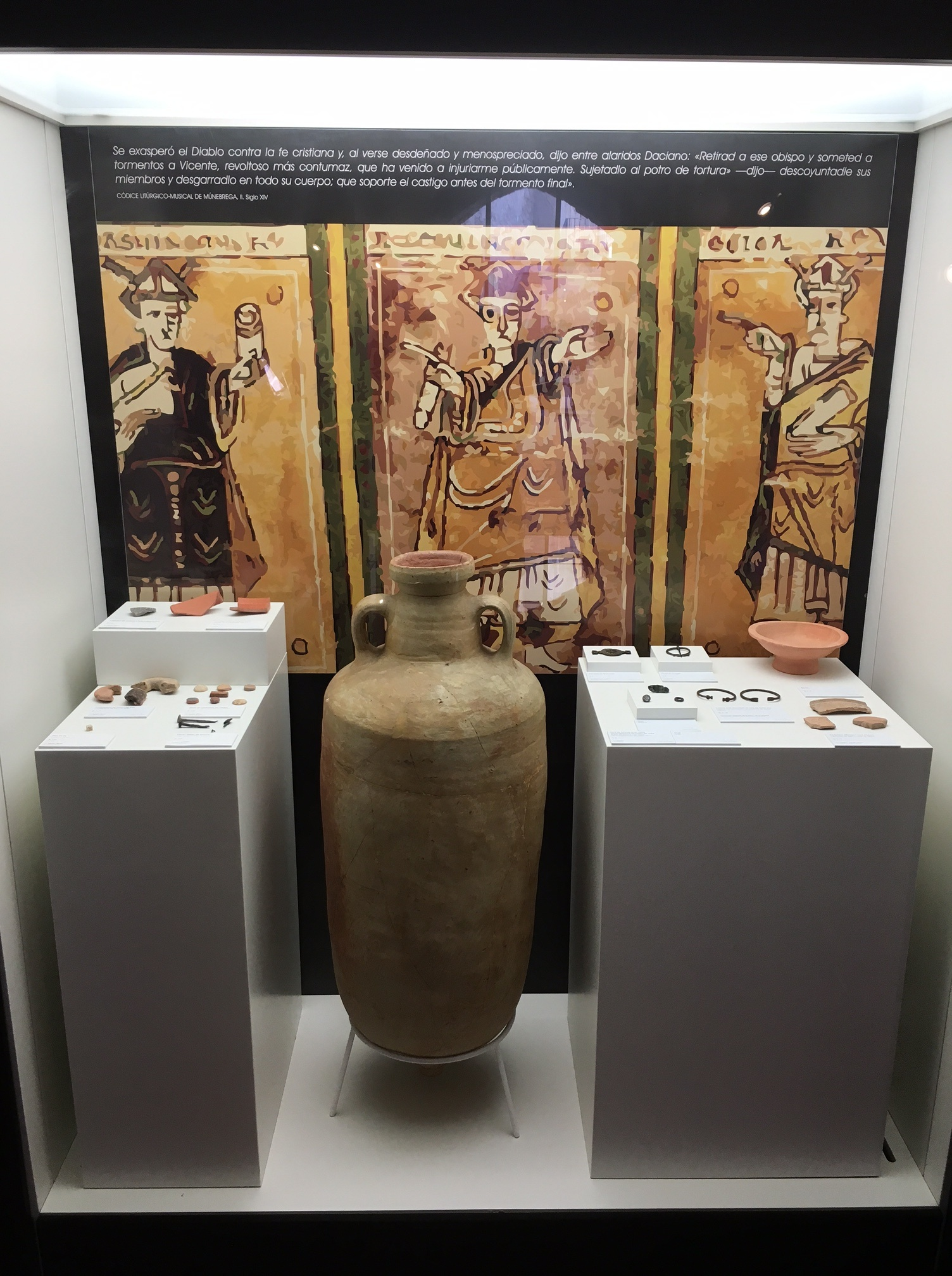 Vitrina del museo arqueológico de Cullera
