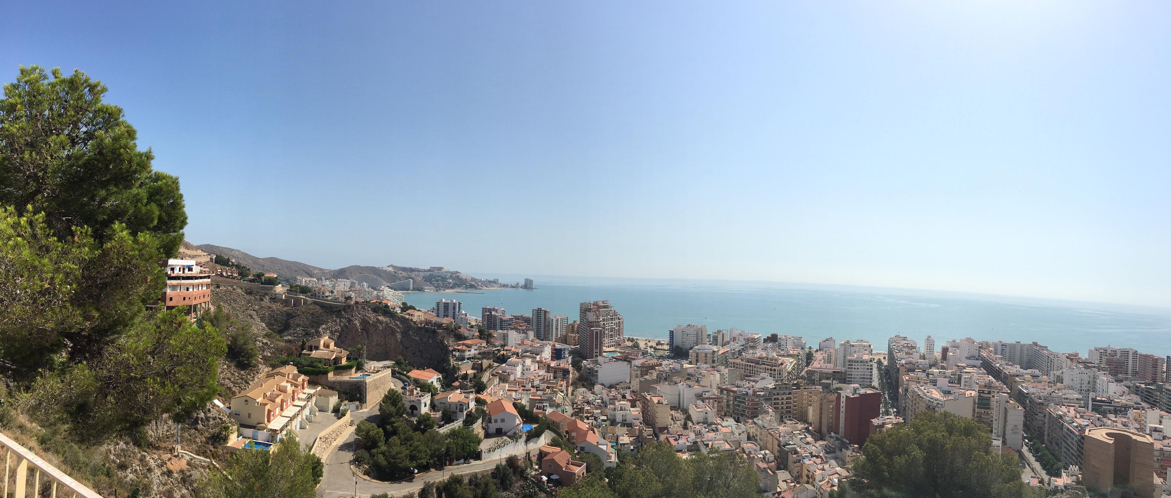 Vista de la bahía de Cullera desde el castillo