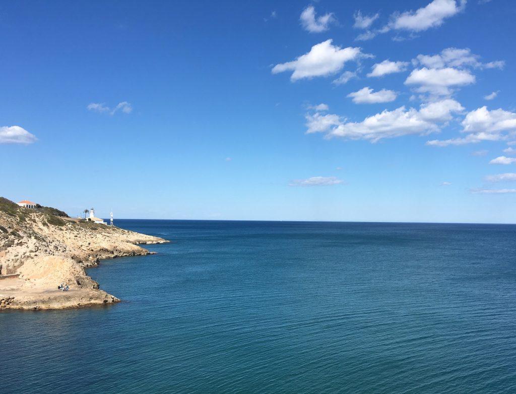 Faro de Cullera y Acantilados