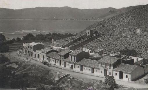 Casas en la carretera caserio faro de Cullera