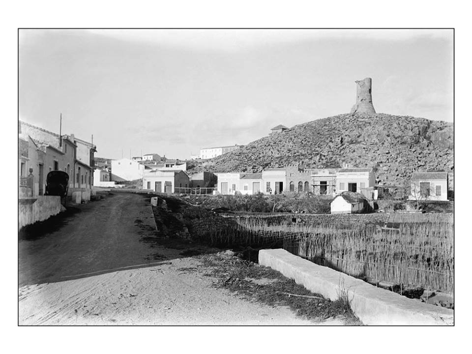 Fotografía antigua con la Torre del Cap de Cullera