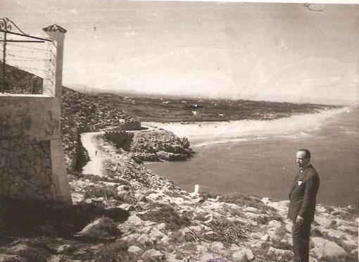 Fotografía antigua de los acantilados del faro de Cullera