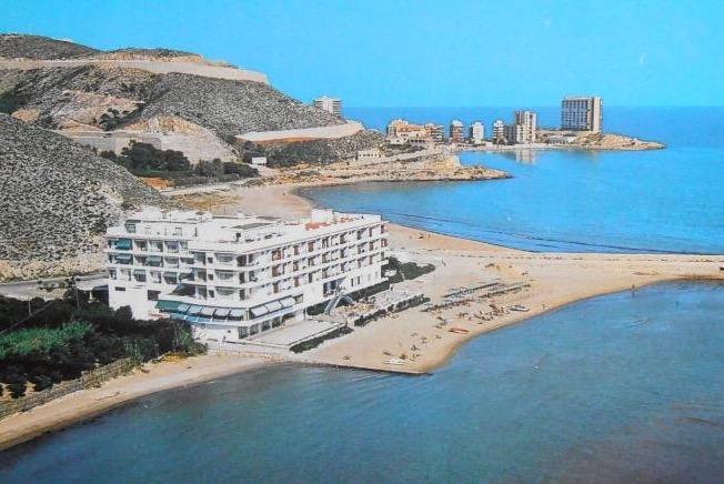 Hotel Sicania y urbanización Cap Blanc a principios de los 70