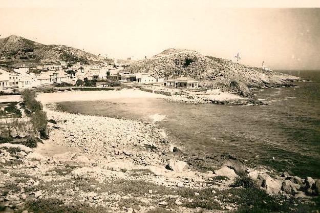 Desde la isla de los Pensamientos , vista de la Cala del Faro.